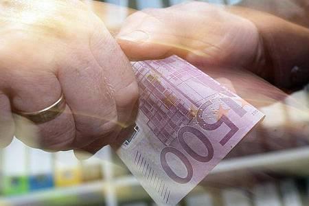 Deutschland hat aus Sicht von Transparency International bei der Strafverfolgung von deutschen Unternehmen, die im Ausland Bestechungsgelder zahlen, nachgelassen. Foto: picture alliance / Peter Steffen/dpa