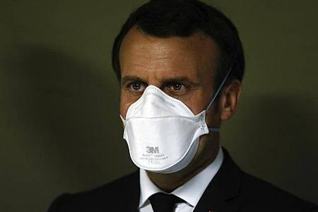 Frankreichs Präsident Emmanuel Macron will gestärkt aus der Krise kommen. Foto: Mathieu Cugnot/EPA POOL/AP/dpa