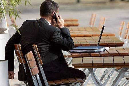 Externe Berater kommen der Bundesregierung teuer zu stehen. Foto: Arno Burgi/dpa-Zentralbild/dpa