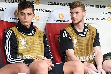Spielen künftig gemeinsam beim FC Chelsea: Kai Havertz (l) und Timo Werner. Foto: Arne Dedert/dpa
