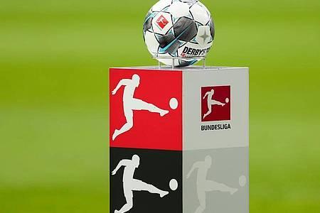 Die Fußball-Bundesliga könnte am 9. Mai wieder aufgenommen werden. Foto: Jan Woitas/dpa-Zentralbild/dpa