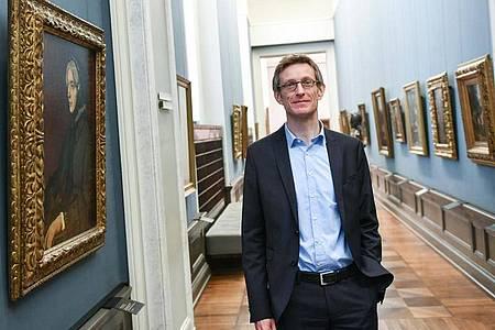 Ralph Gleis, Leiter der Alten Nationalgalerie, in den noch geschlossenen Museumsräumen. Foto: Jens Kalaene/dpa-Zentralbild/dpa