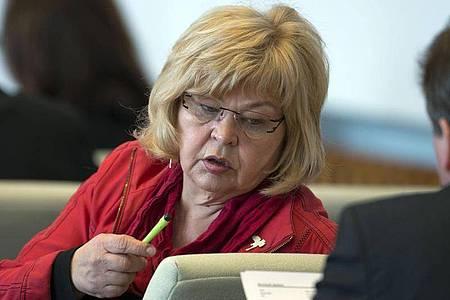 Barbara Borchardt 2013 im Landtag in Schwerin. Foto: Jens Büttner/dpa-Zentralbild/dpa