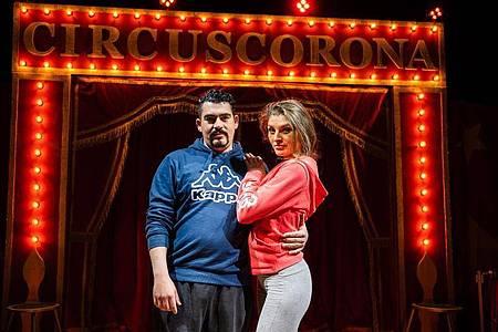 Pech im Unglück: Sergio und Janine Schmidt können mit ihrem neu gegründeten Circus Corona nicht auftreten. Foto: Nicolas Armer/dpa