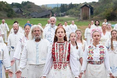 Eine Szene aus «Midsommar». Das Folk-Horrormärchen war 2019 im Kino und ist zurzeit bei Amazon Prime zu sehen. Foto: Csaba Aknay/A24/Amazon Prime/dpa