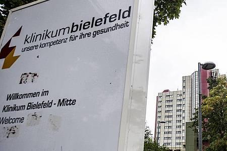 Im Klinikum Bielefeld ist ein junger Patient gestorben, nachdem er das falscheMedikament bekam. Foto: David Inderlied/dpa