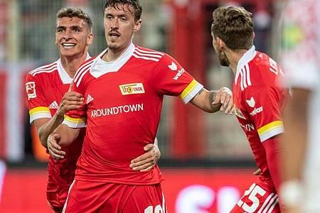 Union-Stürmer Max Kruse (M.) feierte ein gelungenes Startelf-Debüt. Foto: Andreas Gora/dpa