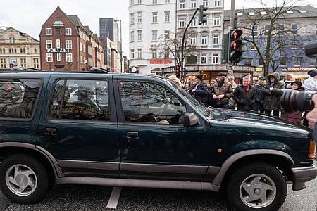 Jan Fedders Ford Explorer wird zugunsten des Hamburger Michels versteigert. Foto: Daniel Reinhardt/dpa