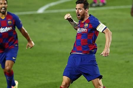 Barcelonas Lionel Messi bejubelt sein Tor zum 2:0. Foto: Joan Monfort/AP/dpa