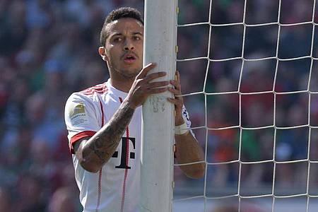 Könnte den FC Bayern München verlassen und nach England gehen: Thiago. Foto: Peter Steffen/dpa