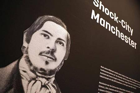 Ein Porträt von Friedrich Engels als Druck. Foto: Oliver Berg/dpa