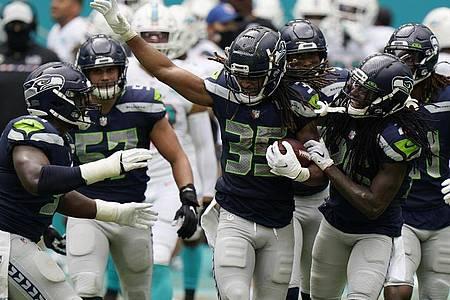 Die Seattle Seahawks bleiben in der NFL ungeschlagen. Foto: Wilfredo Lee/AP/dpa