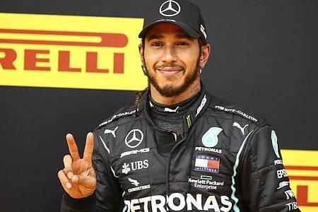 Strebt einen weiteren Sieg auf dem Hungaroring an: Lewis Hamilton. Foto: Mark Thompson/Pool Getty/AP/dpa