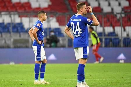 Die Schalker waren gegen die Bayern chancenlos. Foto: Matthias Balk/dpa