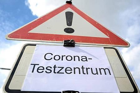 Die Zahl der Corona-Fälle steigt auch inDeutschland. Foto: Felix Kästle/dpa