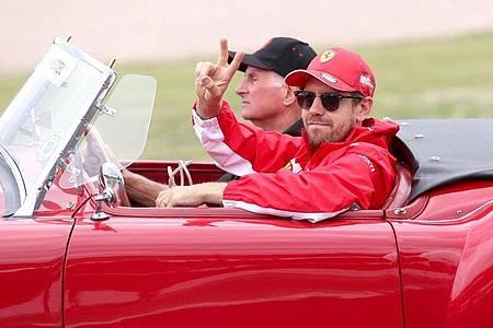 Mutmacher: Sebastian Vettel 2019 bei der Fahrerparade vor dem Start zum Großen Preis von Großbritannien. Foto: David Davies/PA Wire/dpa