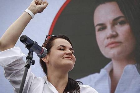 Swetlana Tichanowskaja kandidiert bei der Präsidentenwahl in Belarus. Foto: Sergei Grits/AP/dpa