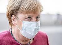 Kanzlerin Angela Merkel und die Länder-Chefs beraten heute über das weitere Vorgehen in der Corona-Pandemie. Foto: Michael Kappeler/dpa