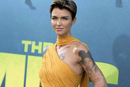 Ruby Rose kommt 2018 in Los Angeles zur Premiere von «Meg». Foto: Richard Shotwell/Invision/dpa