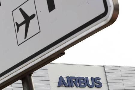 Airbus plant die Streichung von 5000 Stellen allein inDeutschland. Foto: Mohssen Assanimoghaddam/dpa