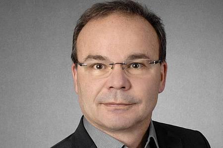 Hans-Günter Weeß ist Leiter des interdisziplinären Schlafzentrums des Pfalzklinikums in Klingenmünster. Foto: Fotostudio Lorch/dpa-tmn