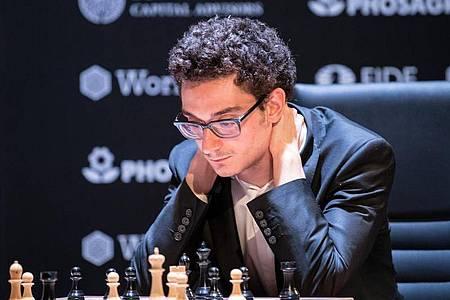 Auch für Schach-Großmeister Fabiano Caruana ist das Kandidatenturnier in Jekaterinburg beendet. Foto: Soeren Stache/dpa