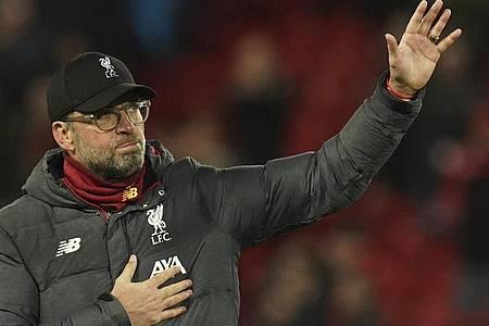 Jürgen Klopp und der FC Liverpool haben sich bei allen Helfer im Gesundheitswesen bedankt. Foto: Jon Super/AP/dpa