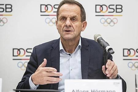 Sorgt sich um die Tokio-Spiele 2021: DOSB-Boss Alfons Hörmann. Foto: Frank Rumpenhorst/dpa
