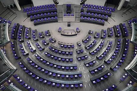 Mit der Wahlrechtsreform soll die Anzahl der Abgeordneten-Sitze im Bundestag neu reguliert werden. Foto: Michael Kappeler/dpa