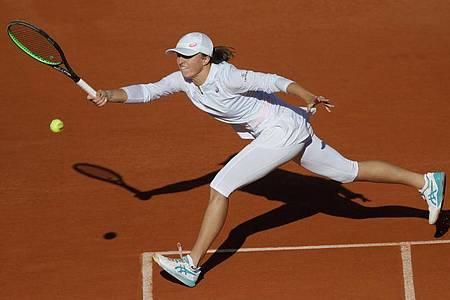 Die Polin Iga Swiatek hat das Finale der French Open für sich entschieden. Foto: Christophe Ena/AP/dpa