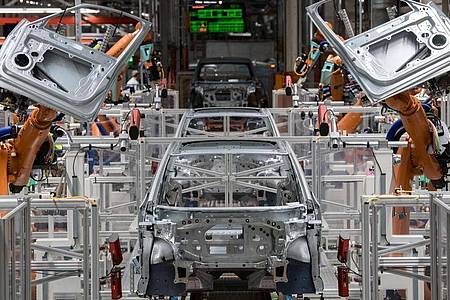 Karosseriebau im Volkswagen-Werk in Zwickau. Foto: Hendrik Schmidt/dpa-Zentralbild/dpa