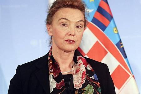 Marija Pejcinovic-Buric, kroatische Außenministerin und stellvertretende Ministerpräsidentin, hat eindringlich vor einem Anstieg häuslicher Gewalt während der Ausgangsbeschränkungen aufgrund des Coronavirus gewarnt. Foto: Wolfgang Kumm/dpa