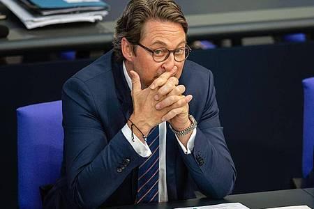 Die Opposition erhebt neue Vorwürfe gegen Bundesverkehrsminister Andreas Scheuer (CSU) in der Maut-Affäre. Foto: Lisa Ducret/dpa