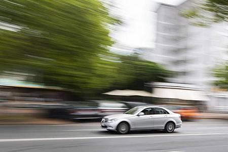 Streit vor Bundesratssitzung: Die verschärften Strafen für zu schnelles Fahren könnten abgemildert werden. Foto: Julian Stratenschulte/dpa