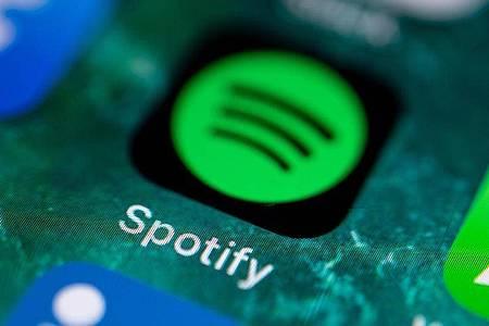 «Spotify Kids» soll Eltern weitreichende Kontrolle darüber geben, welche Inhalte die Kinder hören. Foto: Fabian Sommer/dpa