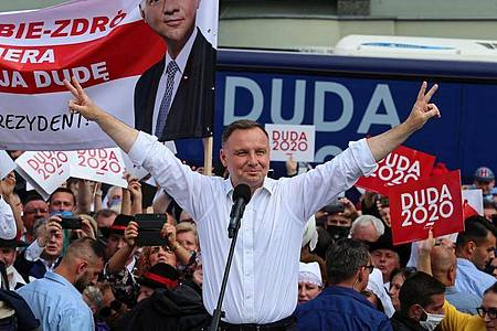 Amtsinhaber Andrzej Duda gilt in Umfragen als Favorit bei Präsidentenwahl. Foto: Andrzej Grygiel/PAP/dpa