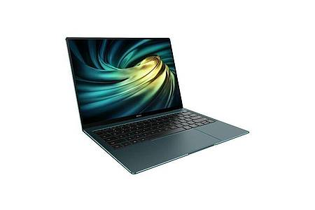 Grüne Flunder: Das Huawei Matebook X Pro ist 14,6 Millimeter dünn und 1,33 Kilogramm leicht. Foto: Huawei/dpa-tmn