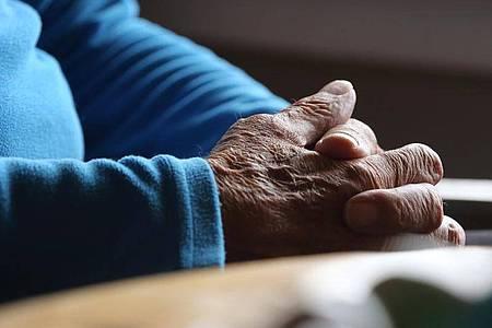Das Verfassungsgericht hat Ende Februar das seit 2015 bestehende Verbot der geschäftsmäßigen Sterbehilfe gekippt. Foto: Karl-Josef Hildenbrand/dpa