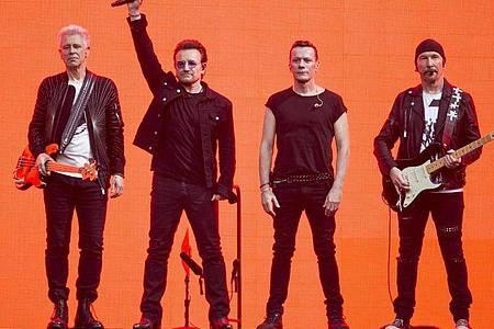 Die Rockband U2 setzt sich seit Jahren für eine Reihe von sozialen und politischen Projekten ein. Foto: Joel Ryan/Invision/AP/dpa