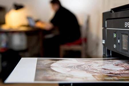 Besonders schön und nuancenreich druckt man Fotos mit sogenannter Dye-Tinte. Foto: Franziska Gabbert/dpa-tmn