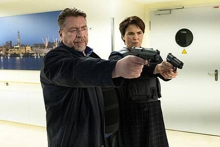 Erichsen (Armin Rohde) und Lisa (Barbara Auer) im Einsatz. Foto: Marion Von Der Mehden/ZDF/dpa
