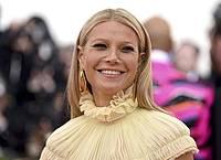 Die US-Schauspielerin Gwyneth Paltrow bedankt sich für Glückwünsche auf ihre ganz eigene Weise. Foto: Evan Agostini/Invision/AP/dpa