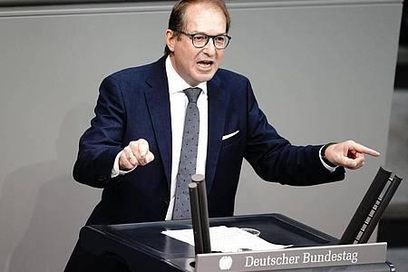 Eine Rückkehr zur Wehrpflicht ist keine realistische Debatte», sagt Alexander Dobrindt. Foto: Kay Nietfeld/dpa