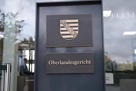 Beim Prozess gegen die rechtsextreme Terrorgruppe «Revolution Chemnitz» verhängte das Oberlandesgericht Dresden mehrjährige Haftstraßfen. Foto: Sebastian Kahnert/dpa-Zentralbild/dpa