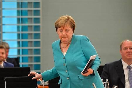 Bundeskanzlerin Angela Merkel (CDU) kommt zum Treffen des Kabinetts im Bundeskanzleramt. Foto: Tobias Schwarz/AFP-Pool/dpa