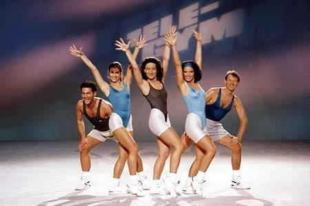 «Tele-Gym» im Bayerischen Rundfunk:Christiane Reiter mit ihrer Aerobic-Crew. Foto: BR/dpa