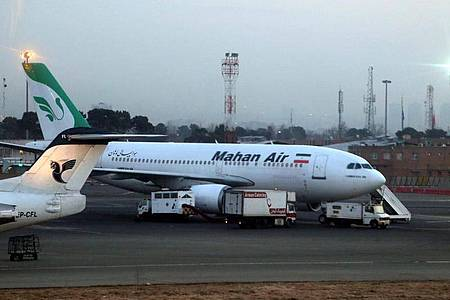 Ein Flugzeug der iranischen Fluggesellschaft Mahan Air musste notlanden. Foto: Abedin Taherkenareh/EPA/dpa