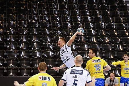 Bester Felnsburger Werfer war Magnus Rød (M.) mit sechs Toren. Foto: Frank Molter/dpa