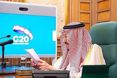 Salman bin Abdelasis al-Saud, König von Saudi-Arabien, hat zu dem Video-Sondergipfel der Staats- und Regierungschefs der führenden Industrie- und Schwellenländer (G20) eingeladen. Das Königreich Saudi-Arabien hat derzeit den Vorsitz in der G20-Gruppe. Foto: -/Saudi Press Agency/dpa