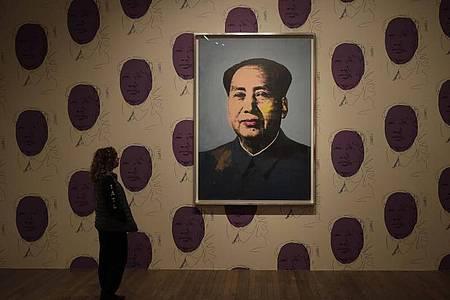 Das Kunstwerk «Mao» in der Tate Gallery of Modern Art. Foto: Matt Dunham/AP/dpa